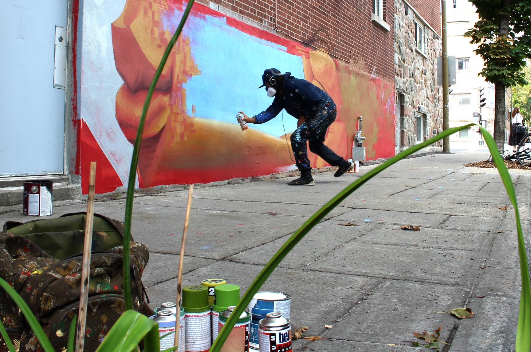nouvelle murale sur la rue Hochelaga par Monk-E